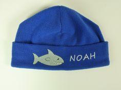 Fleece Mütze Hai *mit Namen* von HEXEnART auf DaWanda.com