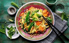 """Get more vegetable into your day with our stir-fried cauliflower """"rice"""" bowl, which is also friendly for the carb-conscious crowd. Fried Rice With Egg, Cauliflower Fried Rice, Cauliflower Crust, Cauliflower Recipes, Loaded Cauliflower, Whole Food Recipes, Cooking Recipes, Healthy Recipes, Keto Recipes"""