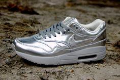 100% authentic a6957 e51f1 Nike Air Max 1 Sp Mens Liquid Silver Metallic Silver Light Bone 616170 090