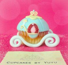 Cinderella carriage cupcake