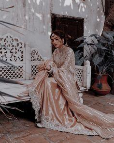Pakistani Wedding Dresses, Indian Dresses, Indian Outfits, Bridal Dresses, Desi Wear, Cute Girl Poses, Indian Embroidery, Desi Clothes, Desi Wedding