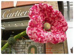 massive flower sculpture @Cartier?
