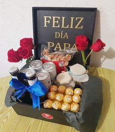 Diy Gifts For Him, Diy Mothers Day Gifts, Diy Gifts For Boyfriend, Love Gifts, Fathers Day Baskets, Mother's Day Gift Baskets, Bff Birthday Gift, Birthday Gift Baskets, Candy Bouquet Diy