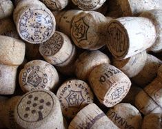 Rustic cork garland farmhouse chic repurposed eco-friendly upcycled decor crafts with corks Recycled Paper Crafts, Upcycled Crafts, Repurposed, Cork Garland, Red Wine Stains, Empty Glass Bottles, Champagne Corks, Wine Cork Crafts, Antique Bottles