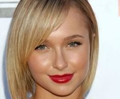 Love the natural make-up look with red lips, its always the way to go! I alays love Haydens makeup.
