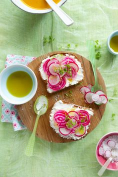 Tartines with Fresh Soft Goat Cheese, Beets, Radish, and Apple + 19 other radish recipes | Rainbow Delicious