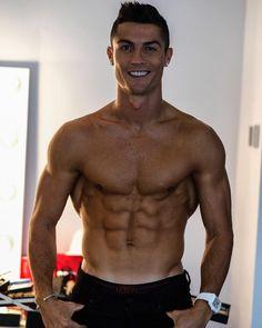 "Gefällt 544.3 Tsd. Mal, 8,985 Kommentare - Cristiano Ronaldo (@cristiano) auf Instagram: ""✌️"""