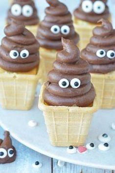 --> Drollen cakejes in ijsbakje of op cupcake als kinder traktatie <-- Ben je op zoek naar een leuke kindertraktatie? Zoek dan niet verder ,want deze drollen cakejes hebben zulke grappige oogjes. Kinderen zullen van ze houden! En omdat trakteren je soms als ouder wat stress bezorgt heb ik een stap voor stapplan gemaakt om de traktatie voor te bereiden.