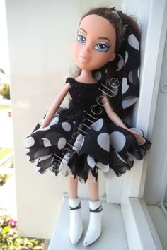 Free tutorial Bratz: dress black and white ribbon