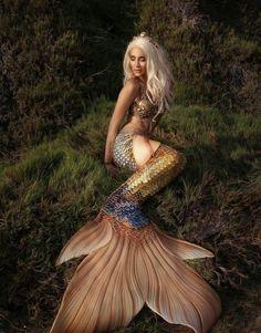 Ideas for tattoo mermaid tail sirens Mermaid Artwork, Mermaid Pictures, Mermaid Drawings, Mermaid Tattoos, Mermaid Paintings, Fantasy Mermaids, Real Mermaids, Mermaids And Mermen, Pretty Mermaids