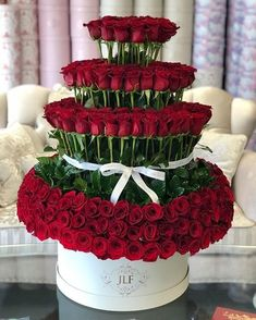 Order flowers online before and get same day flower delivery to Las Vegas and surrounding cities of Clark County Nevada. Pick up is available from JLF Flower shop near you. Shop fresh flowers online on JLF Flower Store. Arrangement Floral Rose, Rose Flower Arrangements, Flower Box Gift, Flower Boxes, Beautiful Rose Flowers, Amazing Flowers, Fresh Flowers, Rosen Arrangements, Rosen Box
