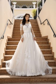 Lace Wedding Dress, Modest Wedding Dresses, Wedding Dress Styles, Couture Collection, Dress Collection, Bridal Gowns, Wedding Gowns, Wedding Bells, Desi
