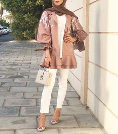 Style Hijab Casual Kondangan 36 New Ideas – Hijab Fashion 2020 Modern Hijab Fashion, Hijab Fashion Inspiration, Abaya Fashion, Muslim Fashion, Modest Fashion, Fashion Outfits, Dubai Fashionista, Hijab Fashionista, Mode Abaya