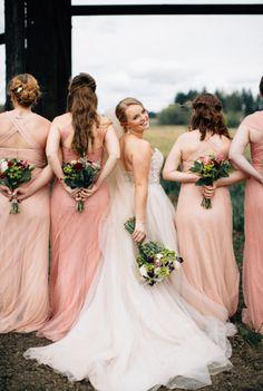 Enchanting Barn Wedding In Oregon | http://www.bridestory.com/blog/enchanting-barn-wedding-in-oregon