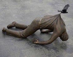 This statue...