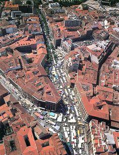 #paisajes #paisajesbonitos #madrid #madridcity #madridbonito Madrid City, Foto Madrid, Beautiful Sites, Most Beautiful Cities, City From Above, Le Palais, Spain And Portugal, Urban Life, City Streets
