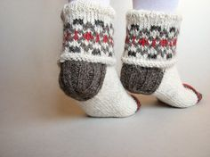 Hand Knitted Women Socks  100 Natural Woolen Patterned by milleta, €29.00