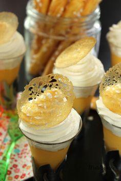 tuiles caramel en 5 mn : une couche de beurre et du sucre sur du flexipan et au four