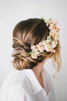 Soft Chignons | Summer Wedding Hair Ideas | #Hair #Bridal #Wedding