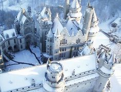 15 Beautiful Castles During Winter -- Photo: Chateau de Pierrefonds, France Beautiful Castles, Beautiful Buildings, Beautiful Places, Amazing Places, Oh The Places You'll Go, Places To Travel, Places To Visit, France 1, Monuments