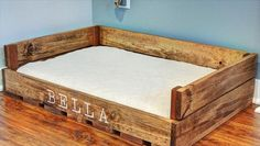 Diy Wooden Dog Bed - 55 Panemorfa Krebatakia Skylwn Apo Paletes Rustic Dog Beds Easy To Make Pallet Dog Bed Pallet Furniture Diy Pallet Dog Diy Pallet Dog Bed Home Depot Y. Rustic Dog Beds, Wood Dog Bed, Pallet Dog Beds, Diy Dog Bed, Diy Pallet, Pallet Projects, Diy Projects, Dog Bed Frame, Cute Dog Beds