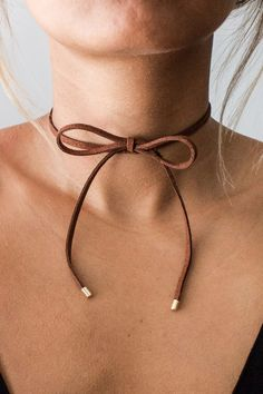 Gold Choker Necklace - dainty choker/ delicate choker/ thin choker/ dainty gold necklace/ layering choker/ trendy choker/ gifts for her - Fine Jewelry Ideas Bow Choker, Leather Choker Necklace, Dainty Gold Necklace, Diy Necklace, Chocker, Choker Jewelry, Choker Necklaces, Jewellery, Pendant Necklace