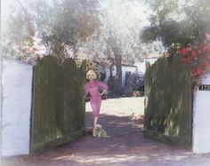 Visit Marilyn's last home; I didn't get to when I lived in CA....one day I will. :0(