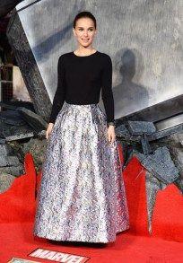 """Natalie Portman"", en la premiere de Thor: The Dark World.   Ángel Guardián de la Moda. http://angelguardiandelamoda.wordpress.com/2013/10/25/natalie-portman-en-la-premiere-de-thor-the-dark-world/"