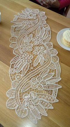 Filet Crochet Charts, Crochet Diagram, Lace Embroidery, Embroidery Designs, Cross Stitch Patterns, Crochet Patterns, Bruges Lace, Romanian Lace, Japanese Crochet