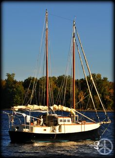 a schooner built by www.kettlerwoodworks.com sits upon lake Champlain, South Hero Vermont