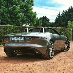 Jaguar F-Type R Dynamics - Nice ass but it was better with 4 exhaust system like the old f-type. What do you think ?  @jaguar_france #jaguar#jaguarftype #ftyper #ftype #carlifestyle #cargram #cars #carstagram #carinstagram #amazing_cars #carsofinstagram#carrental #gasgodz1 #atautomotivephotography#bmwm4 #bmwm6 #sixt
