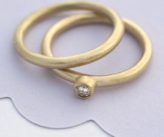 Eco-friendly 5mm diamond ring with matching band
