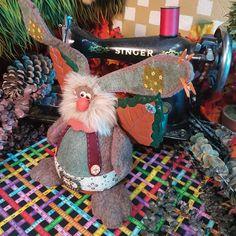 Christmas / Navidad - La Rueca De Merlín Villavicencio Merlin, Corner, Children, Christmas, Xmas, Gnomes, Elves, Balls, Outfit
