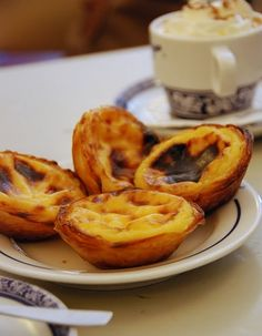 33 Foods Worth Traveling Across the World Just to Eat - Pastel de Nata / Pastéis de Belém (Belém Bakery, Portugal) - Portugal's legendary egg custard tarts- a full bodied, velvety cream encased in a flaky caramelized pastry crust. 75017 Paris, Great Recipes, Favorite Recipes, I Want Food, Egg Tart, Portuguese Recipes, Portuguese Food, Food Tasting, Recipes From Heaven