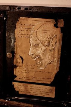 ☆ 18th century Vampyr anatomical research case. Owned by the physician and naturalist Francis Gerber. ☆