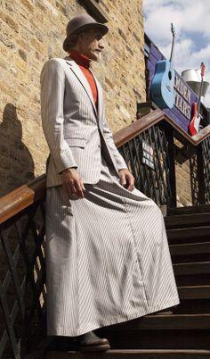 067 Man Skirt, Dress Skirt, Costume, Leggings, Androgynous, My Outfit, Mens Fashion, Coat, Skirts