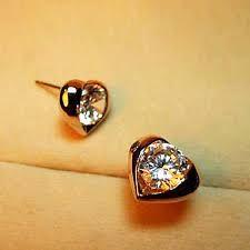 Resultado de imagen para aretes de oro pequeños