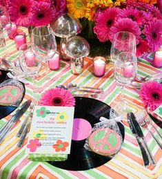 A psychedelic 1960s Spring tablescape by McMillen for the 2016 Lenox Hill Gala in New York City, via @sarahsarna.