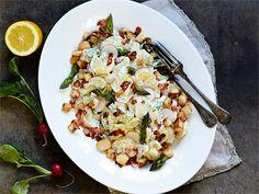 Ruokaisa peruna-parsasalaatti