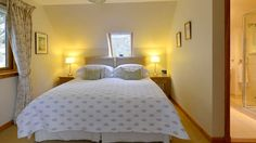 4 Star GOLD B&B in Aberfeldy near Pitlochry in Perthshire. Panoramic views over the River Tay and the mountains. Best B, Bedroom Bed, Free Wifi, Bed And Breakfast, Scotland, House, Furniture, Home Decor, Decoration Home