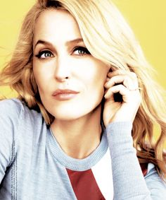 Gillian Anderson - Glamour UK 2015 Women of the Year Awards Gillian Anderson, X Files, Beautiful People, Beautiful Women, Dana Scully, Glamour Uk, My Fair Lady, Portraits, Rolodex