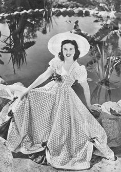 Deanna Durbin - seriously lovin' that outfit!!