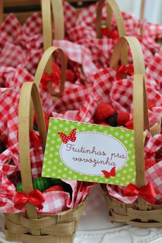 Picnic Theme, Ideas Para Fiestas, Diy Crafts For Kids, Holidays And Events, Alice, Paper Flowers, Girl Birthday, Birthdays, Basket
