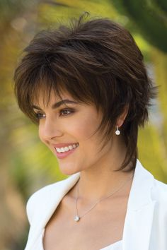 Blindsiding Cool Ideas: Women Hairstyles Medium Bangs how to cut shag hairstyles.How To Cut Shag Hairstyles. Edgy Short Haircuts, Short Shag Hairstyles, Pixie Haircuts, Hairstyle Short, Hairstyles 2018, Teenage Hairstyles, Everyday Hairstyles, Trendy Hairstyles, Wedding Hairstyles