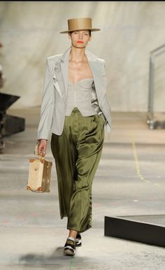 oversized and masculine, Isaac Mizrahi, Spring 2010