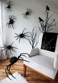 diy halloween diy scary video projections on and through your window diy hallowen crafts pinterest scary videos halloween diy and diy halloween - Halloween Wall Decor
