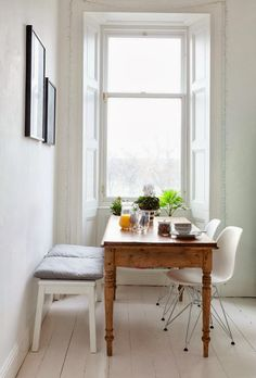 Hege in France: Monochrome apartment in Edinburgh