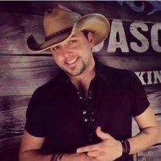 Jason love this pic, soooo hotttt! Best Country Singers, Country Musicians, Country Music Stars, Country Artists, Tyler Farr, Redneck Romeo, Cole Swindell, Handsome Celebrities, Martina Mcbride