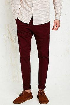 03e7c4568b56 Dr. Denim Heywood Chinos in Burgundy - Urban Outfitters Urban Outfitters,  Bordeaux, Occasion