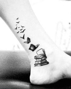 147 foot tattoo designs that will help you make a steeper impression – best tattoo ideas - Inspirierende Tattoos Tattoo Buch, Detailliertes Tattoo, Piercing Tattoo, Get A Tattoo, Tattoo Quotes, Wrist Tattoo, Shoulder Tattoo, Tattoo Drawings, Art Quotes